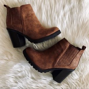 Sam & Libby | Chunky Brown Bootie Size 5.5